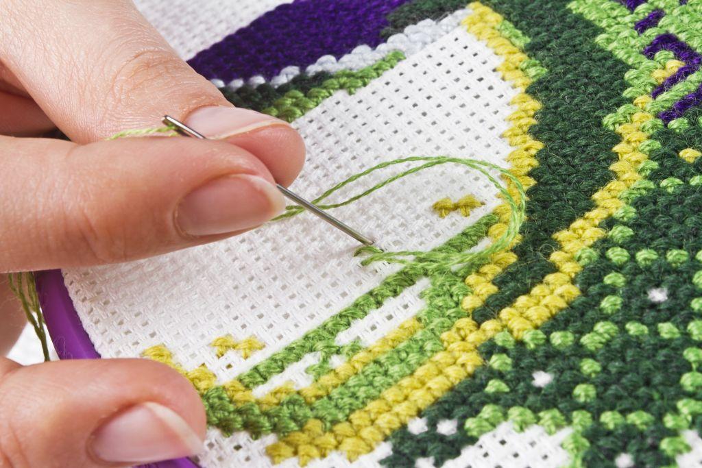 Можно ли вышивать крестиком во время беременности